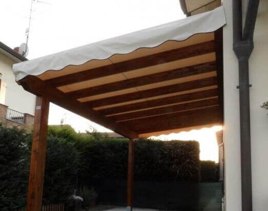 Pergola con copertura in tenda fissa