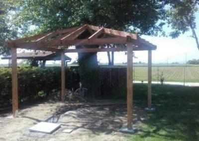 Gazebo con tetto in legno senza griglie