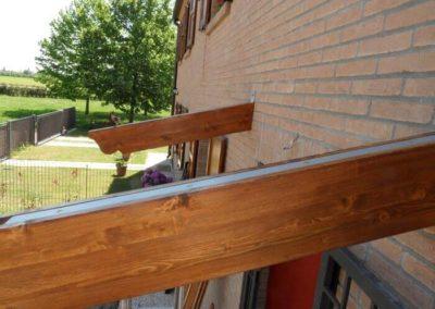 Pensilina in legno con staffa a scomparsa
